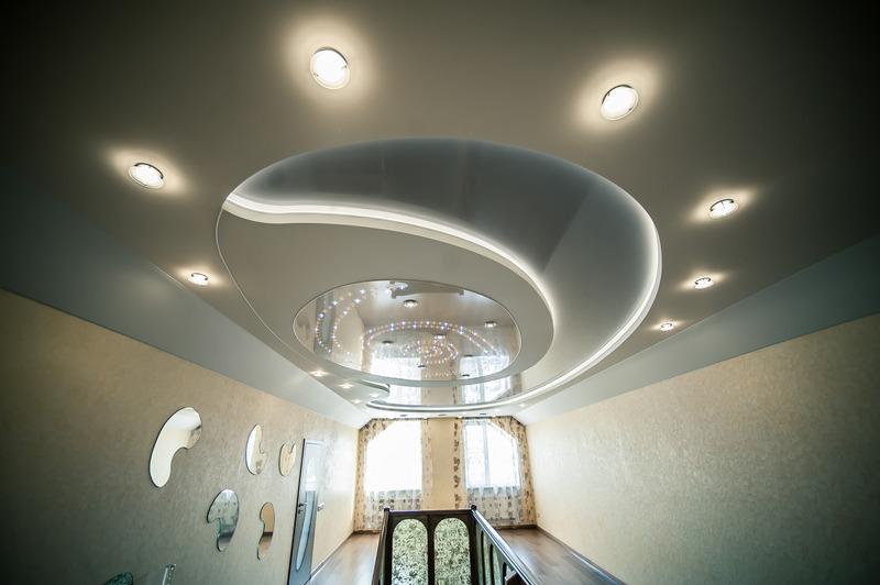 Как монтировать двухуровневый потолок со светодиодной подсветкой
