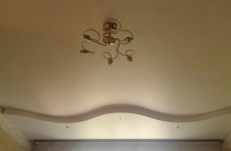 Двухуровневый матовый натяжной потолок
